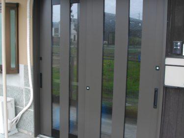 三重県伊賀市 玄関ドア