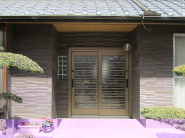 奈良県天理市 玄関ドア